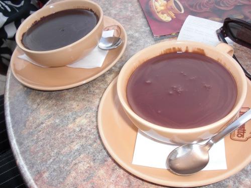 Snarare smält choklad enligt Emilia.