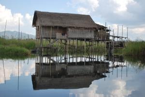 Såhär bodde de i Inle Lake - Burma